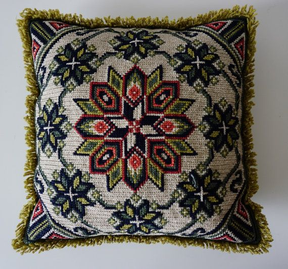 Hand twisted pillow case/Swedish Embroidered by ScandicDiscovery