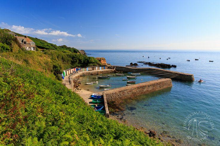 Port Racine, le plus petit de France, dans le Cotentin