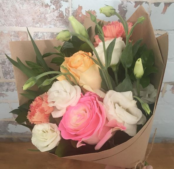 The Posy Co provide our best flower delivery service in the area of Maroochydore, Mooloolaba, Caloundra at just $30 with delivery around Sunshine Coast. # http://theposyco.com.au/how-it-works/