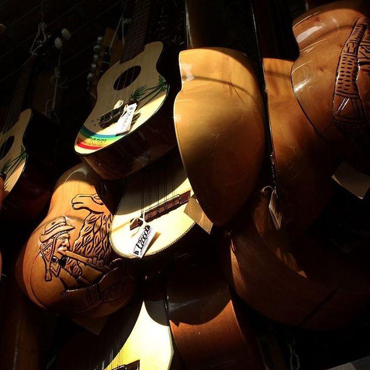 #charangos #Instrumentos #artesanía #centroartesanalsantalucia