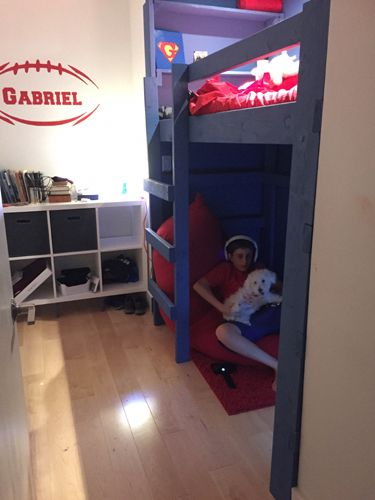 Look at these  very good ideas for a  loft bunk  area #girlsbunkbed