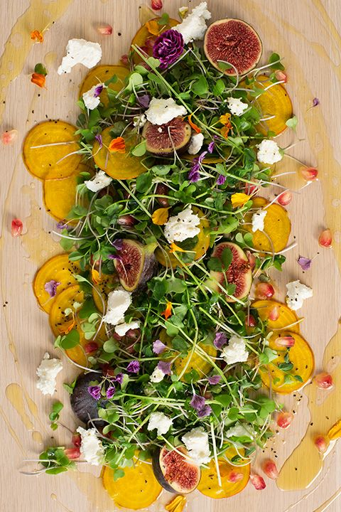 INGREDIENTS BY SAPUTO | Why not try a beet salad recipe for a change? With Woolwich goat cheese and Pommies cider vinaigrette, this idea makes dinner a whole lot more interesting!