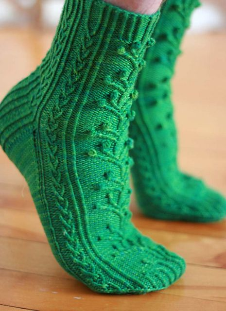 Knitting Pattern For Ski Socks : 38 best images about Sukat ja saarystimet on Pinterest Free pattern, Cable ...