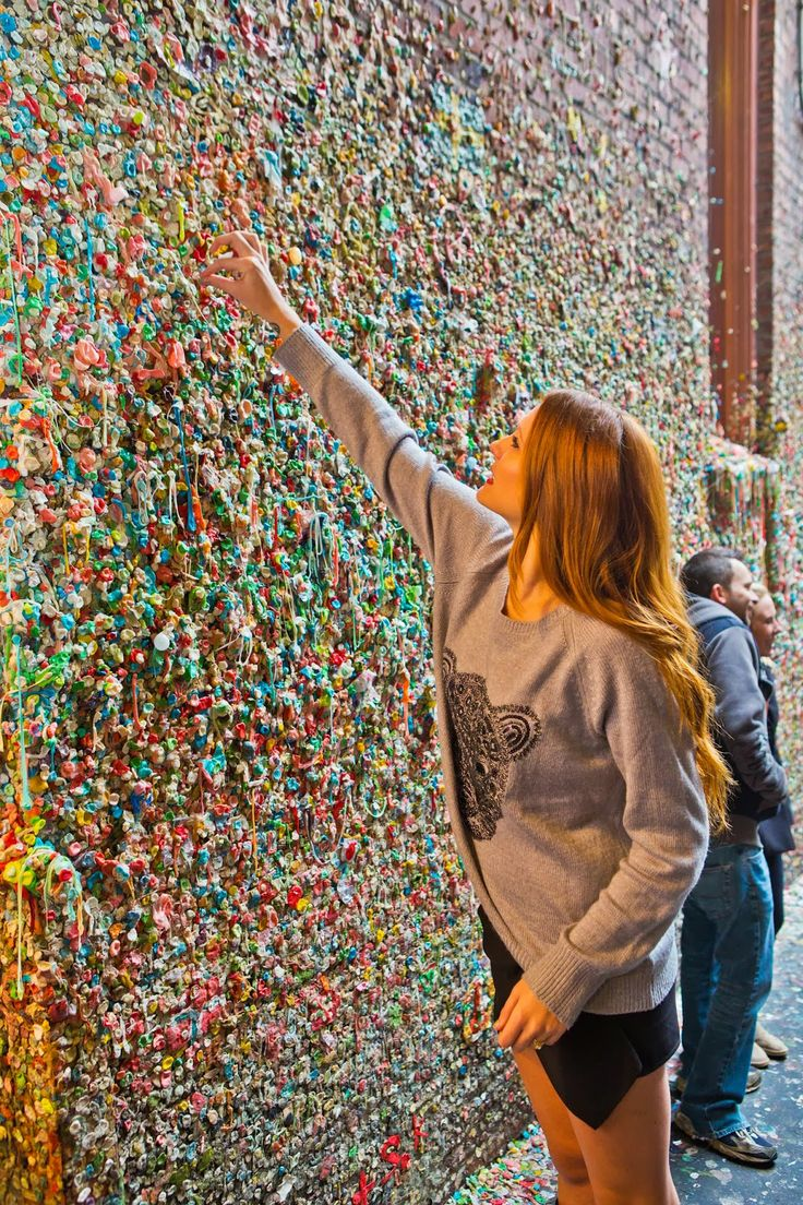 Seattle Pike Place Marketthe infamous Gum Wall