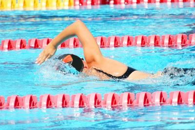 Easy Swimming Workouts...Should really start swimming again...