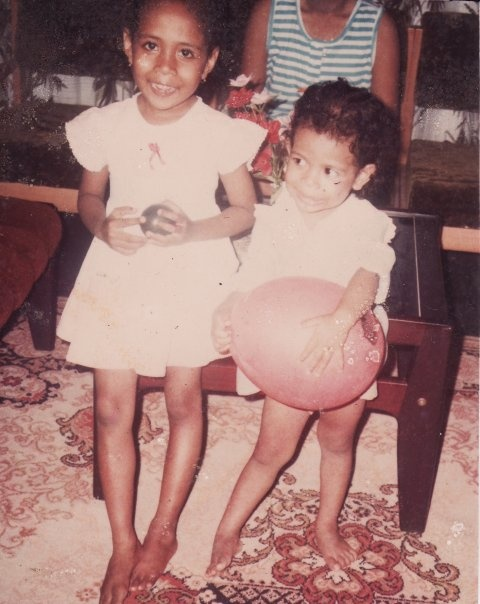 litle me (w the ballon) with my lovely sista