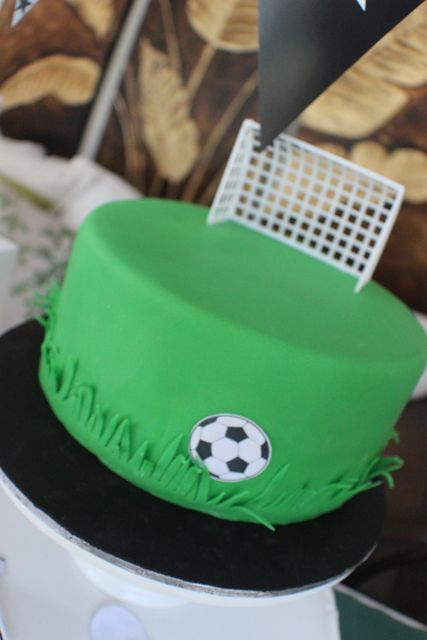 Simple cake at a Soccer Party #soccerparty #cake