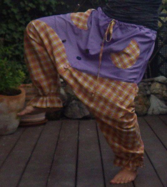 Haremshosen - Handmade Haremshose geknöpft  - ein Designerstück von Die-Revoluzzerin bei DaWanda