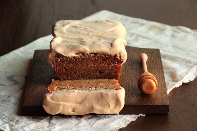 Honey Wheat Cake with Cream CheeseIcingCinnamon Cake, Fun Recipe, Wheat Pound, Cream Chees Ice, Cream Cheese, Wheat Cake, Pound Cake, Cream Chees Frostings, Honey Wheat