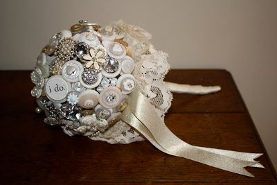 Make a vintage looking button bouquet with this how-to. #DIY #Wedding