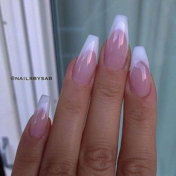 faded french nails Round #frenchnailswedding #acrylicnailsrounds nageldesign schlicht