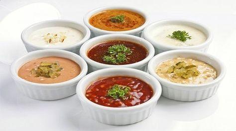 Maioneza poate fi cu ușurință înlocuită cu alt sos, mai ușor și mai puțin nociv, care va da un nou gust mâncării deja cunoscute. Aceste sosuri delicioase pentru salate, carne sau pește sunt foarte simplu de preparat, din ingrediente accesibile și mereu prezente în bucătărie. Vă prezentăm 10 tipuri de sosuri delicioase. 1. Sos cu smântână …