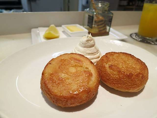 Cumulus Inc.  House made crumpets with rooftop honey and whipped ricotta by Felicious May 3, 2013