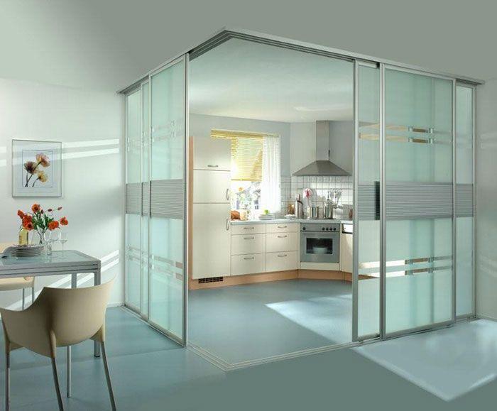 Resultado de imagen de paredes de cristal cocina for Puertas correderas de cristal empotradas