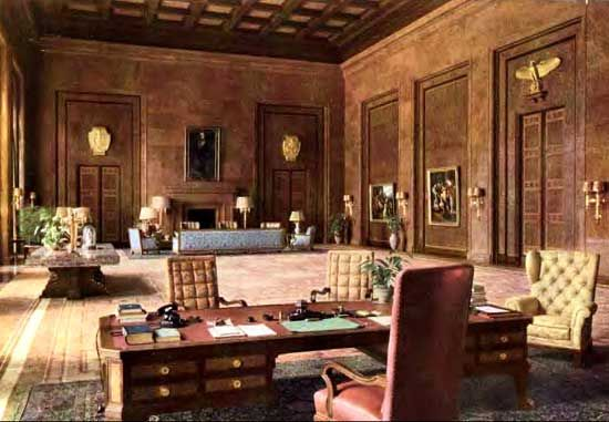 Chancery office of Adolph Hitler | Desks and Offices of ...