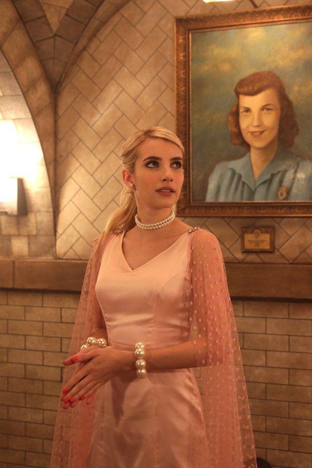 Chanel Oberlin wearing  BaubleBar Pearl 360 Studs