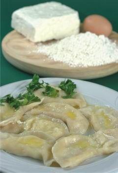 Βαρένικα με τυρί