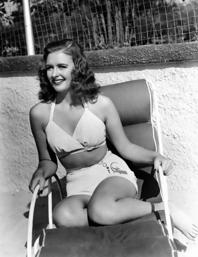 """Donna Reed, (1940's)...Her """"girl-next-door"""" good looks and warm on-stage personality made her a popular pin-up for many GIs during World War II. She personally answered letters from many GIs serving overseas"""