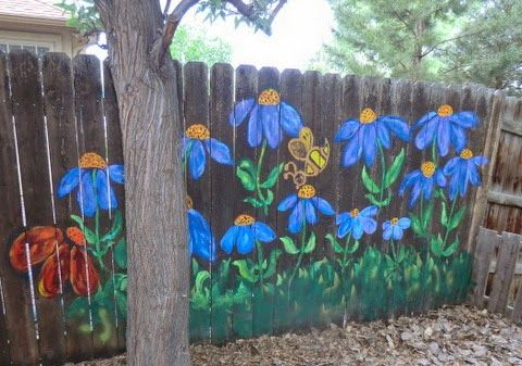 Nancy's Arts * Crafts: More Flowers on Fencing
