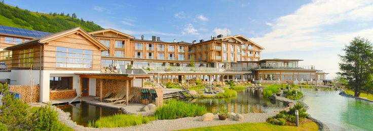 Hotel Feuerberg - die neue Hotelfassae...
