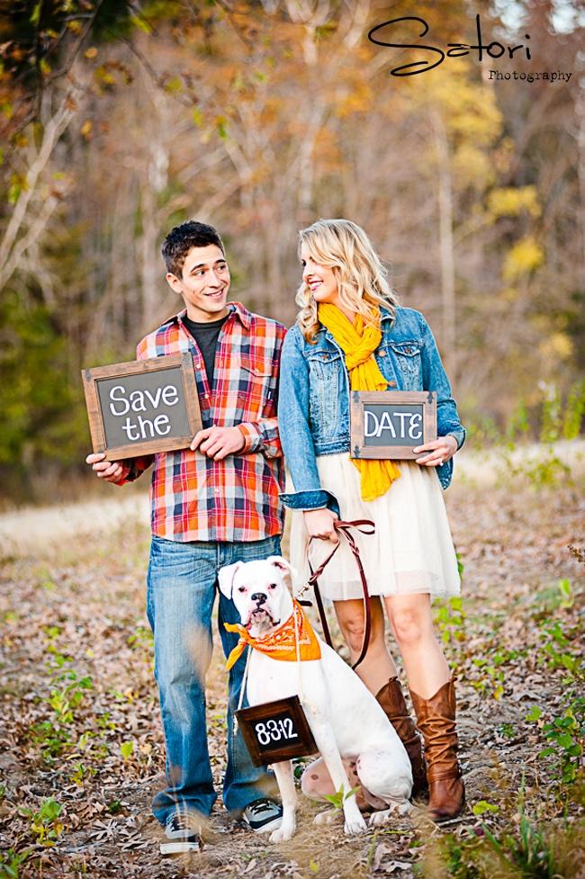 Engagement photos   Save the Date #dog > Satoriphotog.com