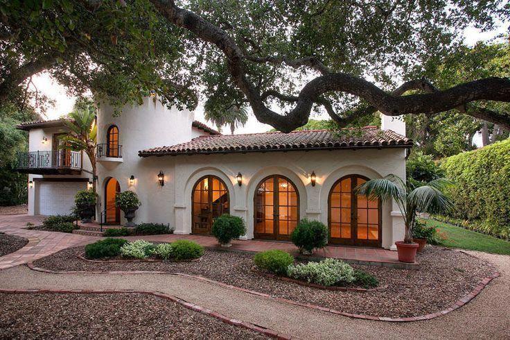 Beautiful Spanish Revival House In Montecito California Spanishstylehomes Spanish Revival Home Spanish Style Homes Hacienda Style Homes