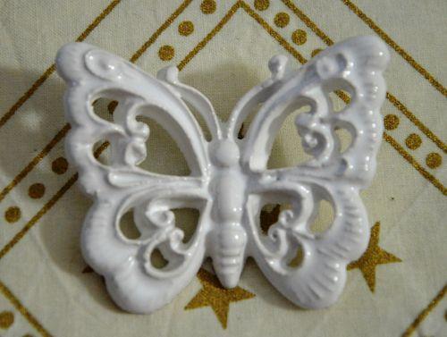 http://www.anynameedizioni.com/epages/99330.sf/it_IT/?ObjectPath=/Shops/99330/Products/0020C FARFALLE PICCOLE COLORI ASSORTITI