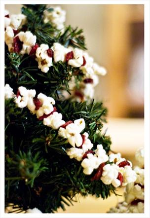 Guirlande de pop corn - Bricolages de Noël - Noël Momes.net