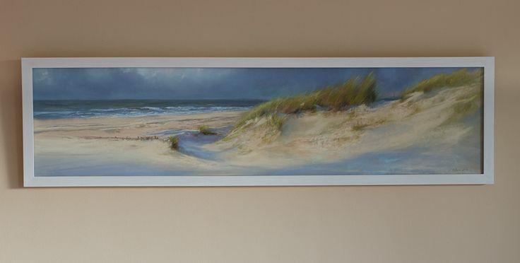 На стене - вид на море (II),