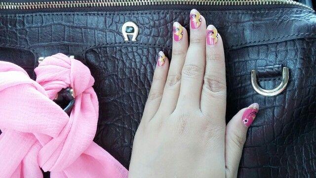 Aigner and pink nail art, i use nail extension