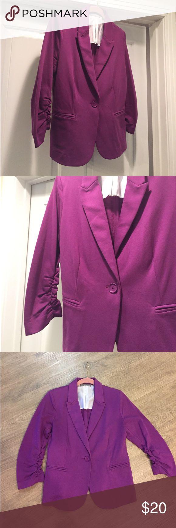 "Olivia Moon Purple Blazer (M) Olivia Moon Purple Blazer (M). Excellent Condition 15"" across (underarm).  13"" length (underarm to hem) Olivia Moon Jackets & Coats Blazers"