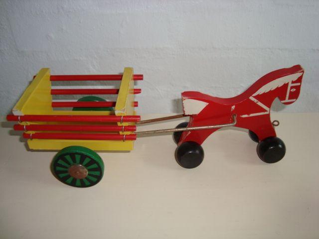 BRIO Swedish wooden toys/trækvogn - 1953-70. #Brio #Swedish #toys. From www.TRENDYenser.com