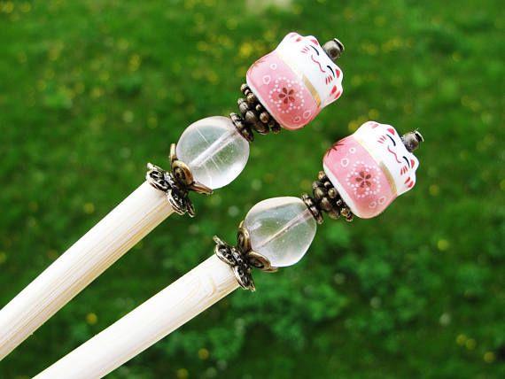 Set of 2 japanese wooden hair sticks with maneki neko, fortune lucky cat and pink beads - kanzashi chopsticks pins hair ornaments decoration