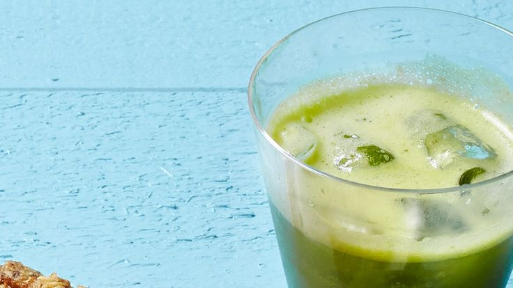 Make this delicious Ginger-Apple Juice with veggies and fruits from your own backyard.