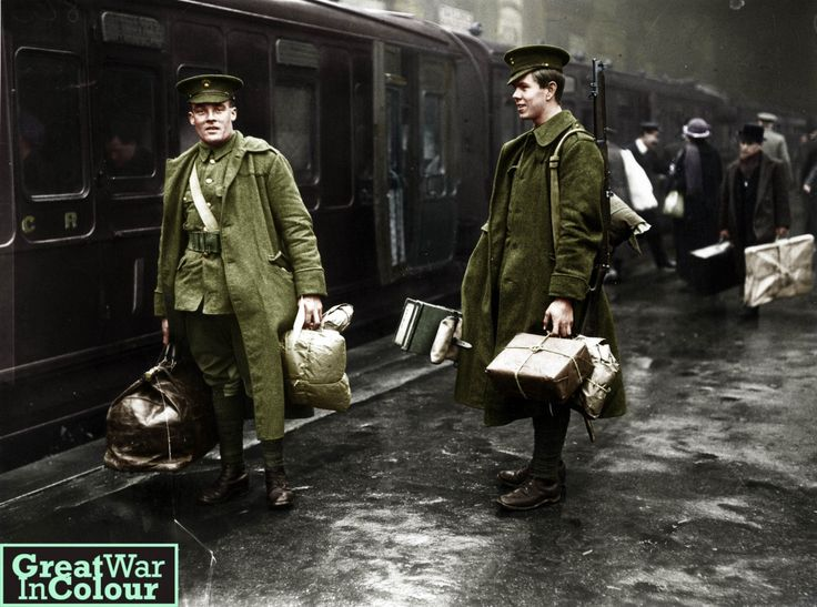 Two British troops departing from Victoria Station - London, UK 1914 Original image source: Photograph: Getty/Hulton Archive