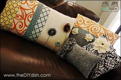 DIY throw pillowsDiy Flower Throw Pillows, Chic Pillows, Diy Dishes, Felt Flower, Decor Pillows, Couch Pillows, Diy Pillows, Crafts, Diy Throw