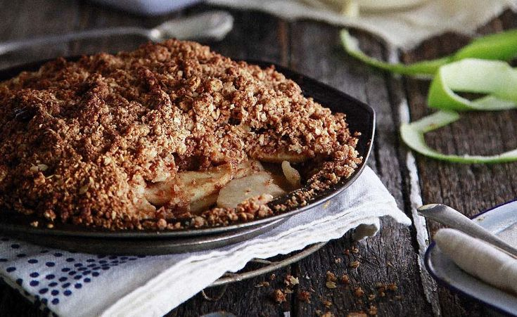 Read our delicious recipe for Healthy Gluten Free Apple Crumble, a recipe from The Healthy Mummy, which will help you lose weight with healthy recipes.