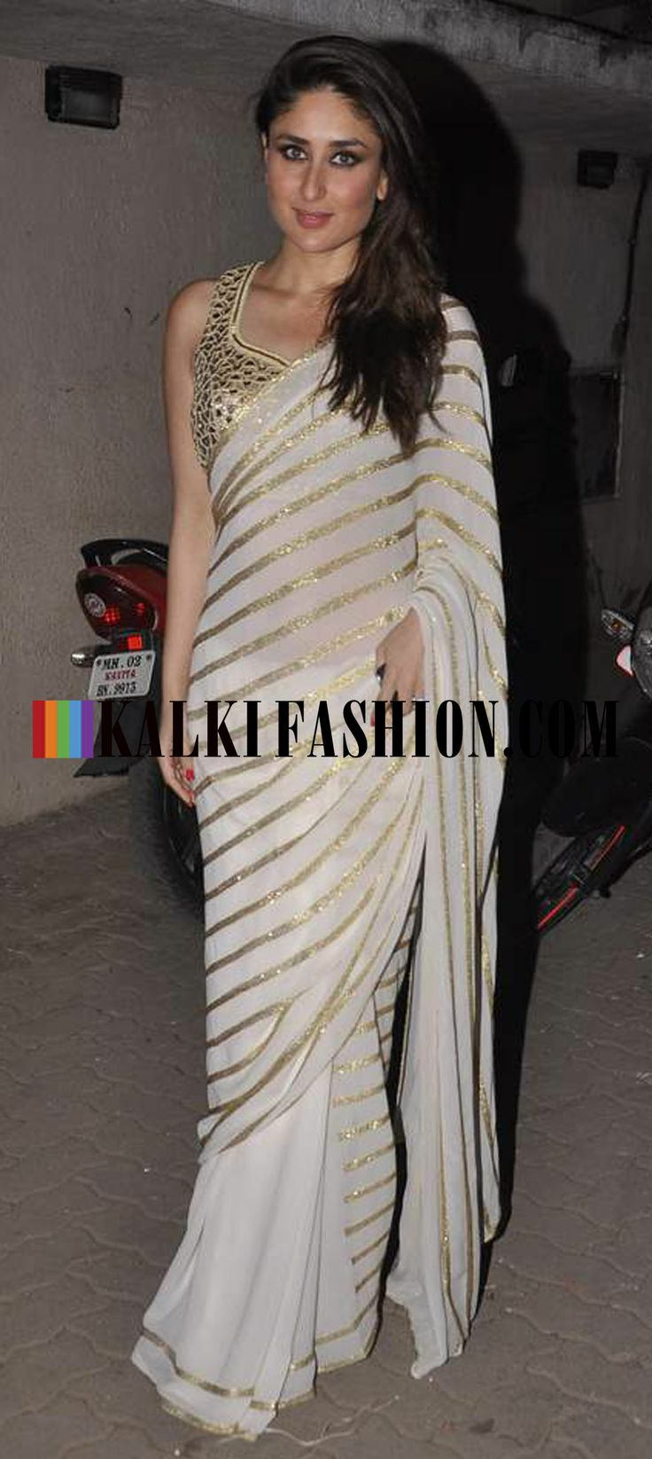 http://www.kalkifashion.com/ Kareena Kapoor was seen leaving the Mehboob Studio in Amrita Thakur saree and blouse by Arpita Mehta