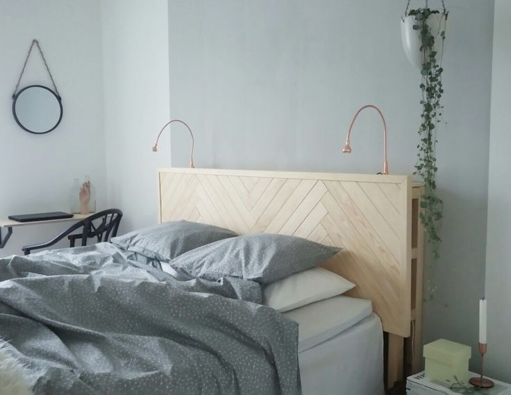The headboard and the colours