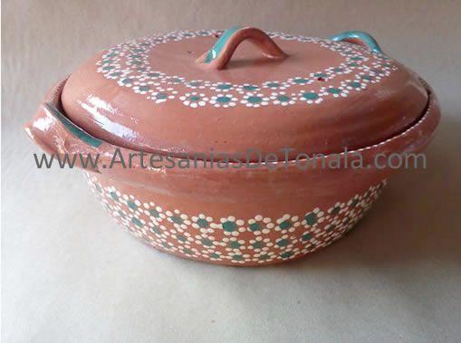 Artesanias mexicanas de barro. Cazuelas, ollas, platos, jarros, jarritos, cantaritos, botellones de barro en Tonala Jalisco
