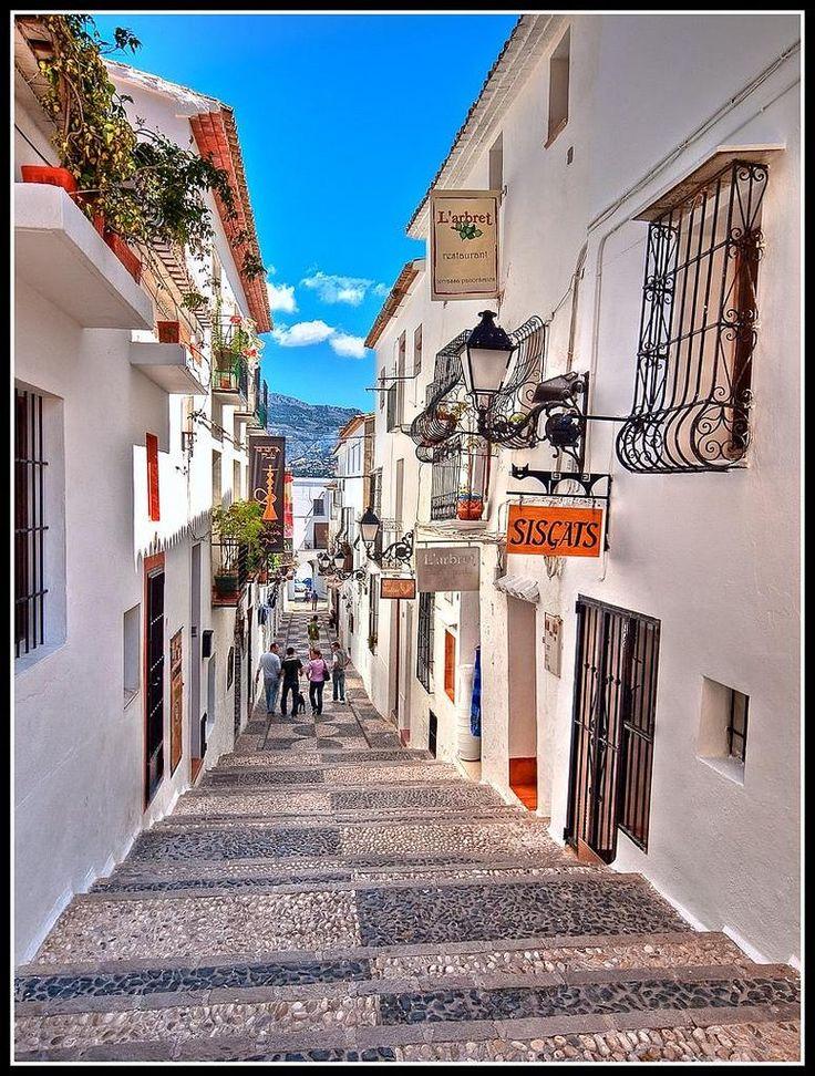Callejones de Altea  Spain.... lost my fav hat in Altea.