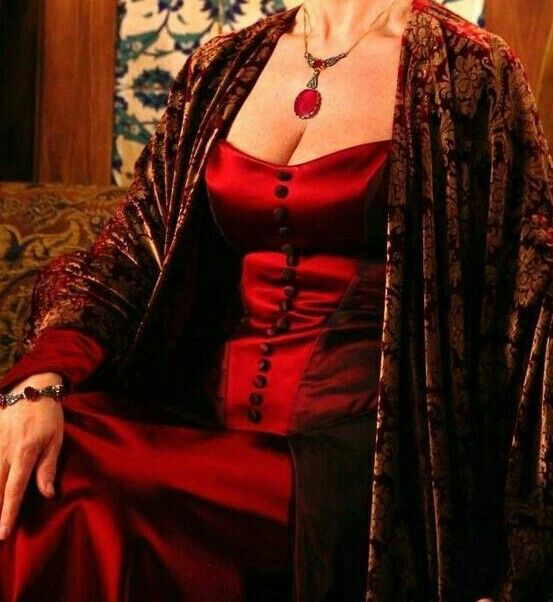 #TheMagnificentCentury  #ValideSultan  #Gowns