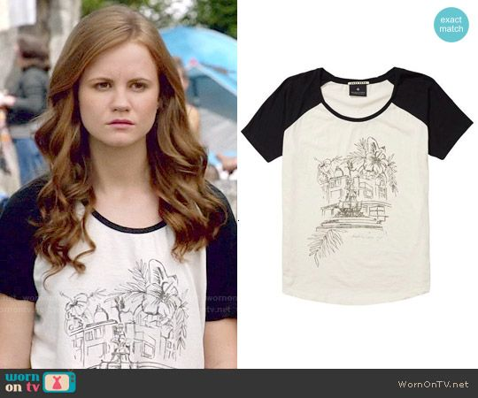 Norrie's illustration graphic tee on Under the Dome.  Outfit Details: http://wornontv.net/50504/ #UndertheDome