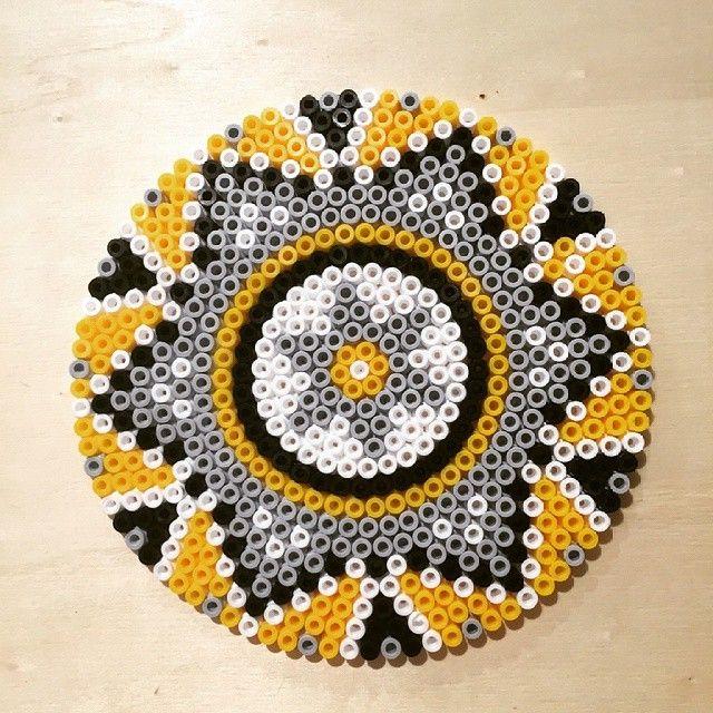 Mandala hama beads by Ateliers_Cultura