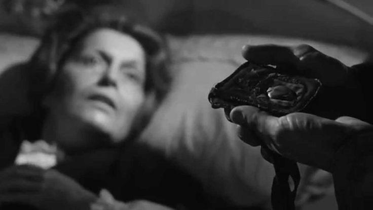 El Escapulario: Una de las mejores películas mexicanas de terror - Recientemente me volví a ver El Escapulario, una de las mejores películas de terror y misterio que se han generado en México y que, tristemente, ha sido olvidada con el paso del tiempo. Una vez que la Época de Oro del cine mexicano había terminado se pueden encontrar proyectos interesantes que trataban de estirar la […]