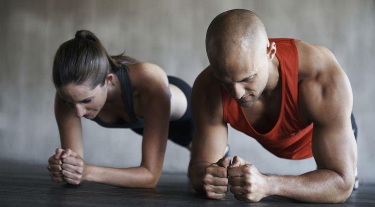 Nur wenige Frauen und Männer haben eine perfekte Figur. Doch das ist noch lange kein Grund, den Kopf hängen zu lassen bzw. zu resignieren. Unsere Fitness-Expertin und Personaltrainerin Sonja Fierz hat für jeden Figurentyp und geschlechterspezifisch das passende Workout-Programm zusammengestellt.