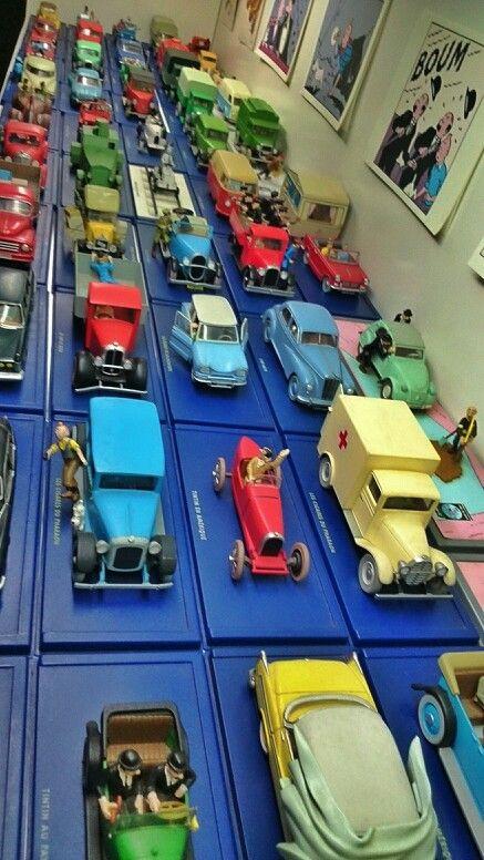A minha colecção de automóveis do Tintin. A edição francesa tem mais modelos do que a portuguesa