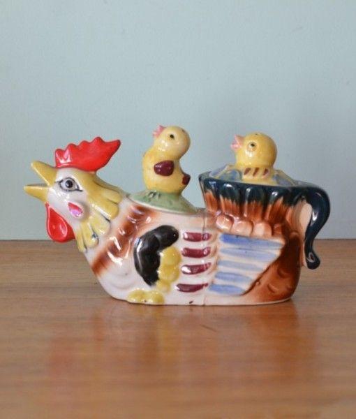 Vintage  Kitsch Japanese Condiment set milk jug Salt & pepper shakers rooster / chicken