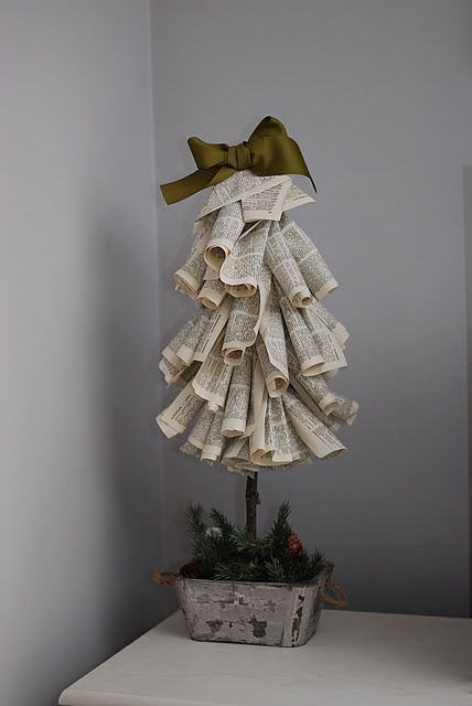 {DIY} paper Christmas trees