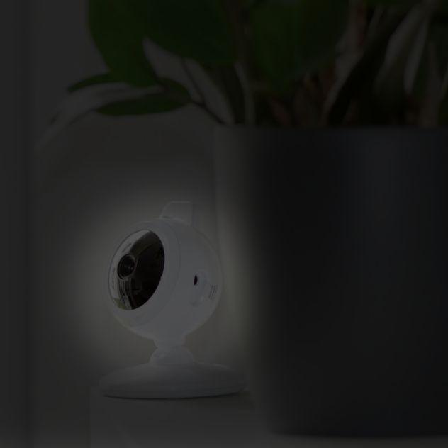 ednet. View & Care - Video Babyphone Nach(t)sicht... Durch die eingebauten Infrarot LED´s können Sie Ihr Baby auch nachts jederzeit sehen. Die Infrarot LED´s werden eingeschaltet, sobald zu wenig Licht für die Kamera zur Verfügung steht. Dank der digitalen Signalübertragung ist die Verbindung zwischen Kamera und Monitor zum einen geschützt, zum anderen findet eine klare Übertragung von Bild und Ton statt. ...